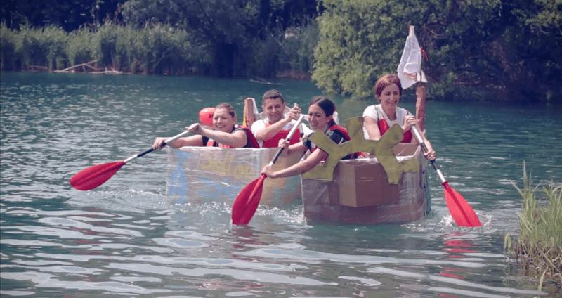 carton boat: team building aziendale