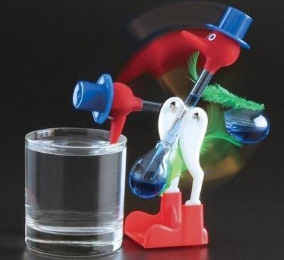 gadget ufficio drinking bird